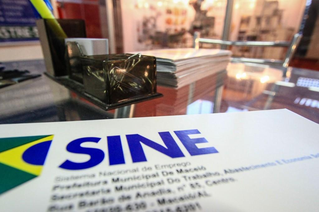 Mais de 100 vagas de emprego no Sine Maceió