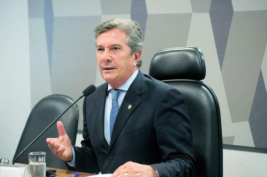 Justiça Federal cancela concessões de rádios e TVs ligados a Fernando Collor