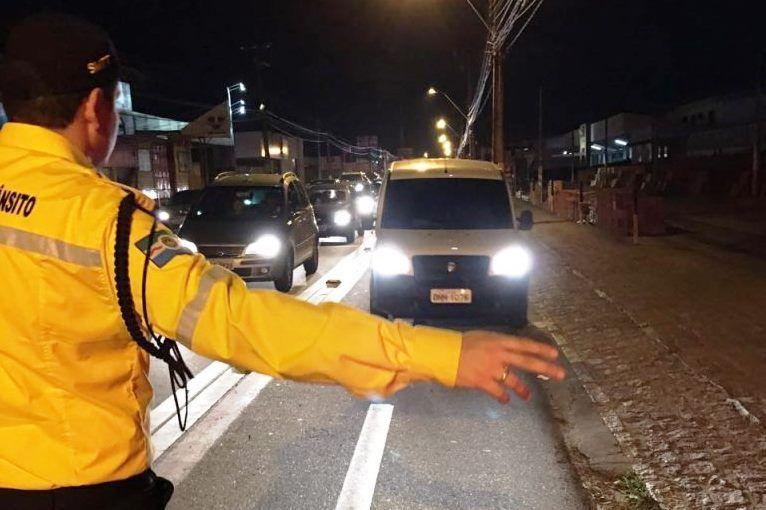 Jogo do Campeonato Alagoano altera fluxo de veículos no Trapiche