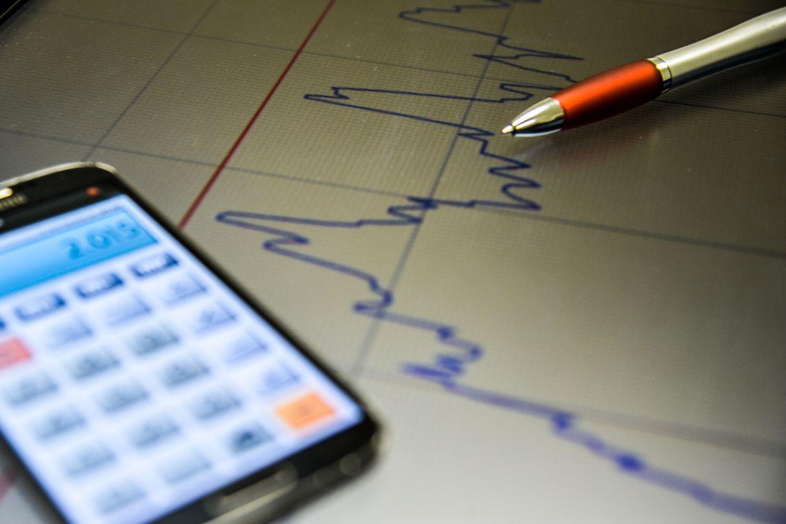 Mercado reduz estimativa de crescimento da economia para 0,81%