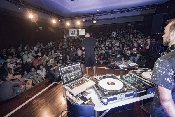 Hip-hop e Stand-up marcam celebração dos 47 anos do Teatro de Arena Sérgio Cardoso