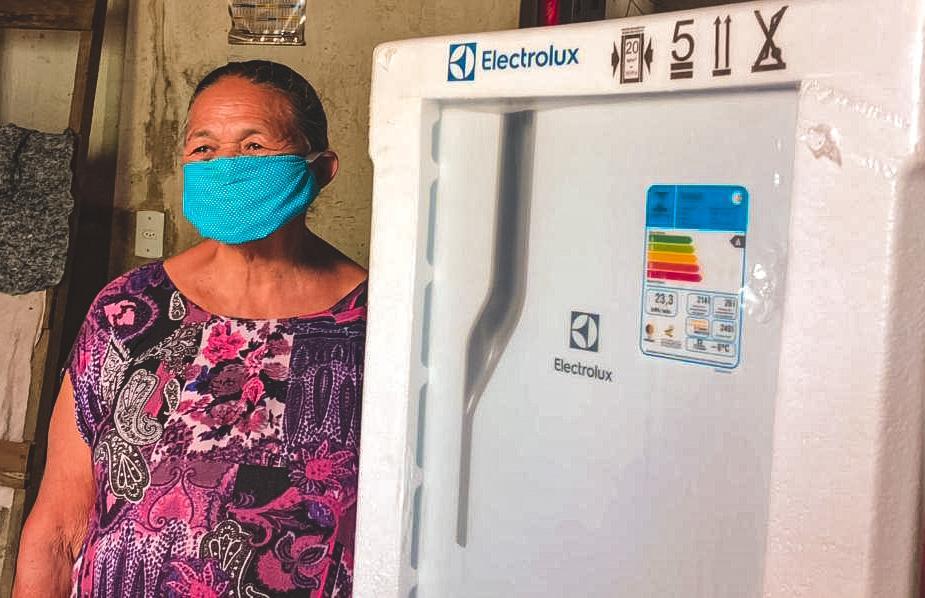 Equatorial AL finaliza entrega de geladeiras em Santana do Ipanema