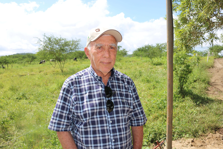 1º Genética Paulo Amaral possui vacada girolando adaptável a qualquer rebanho leiteiro