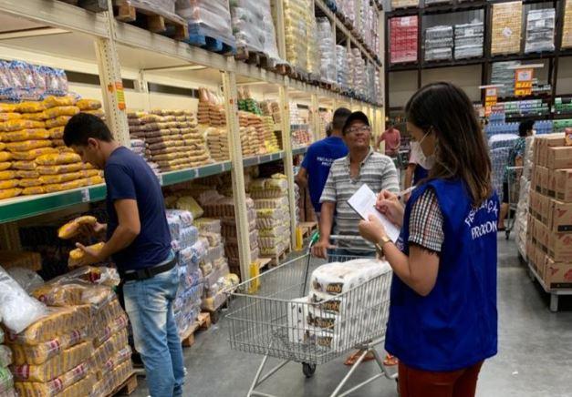 Procon realiza pesquisa de preços de itens essenciais, confira