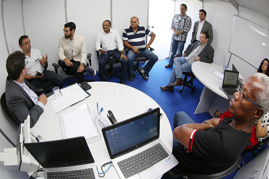 TJAL faz ação para moradores de encostas com pendências cadastrais