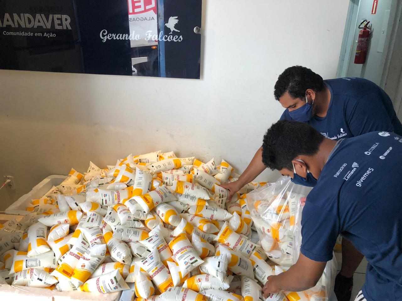 Covid: Programa do Leite ajuda famílias em situação de risco