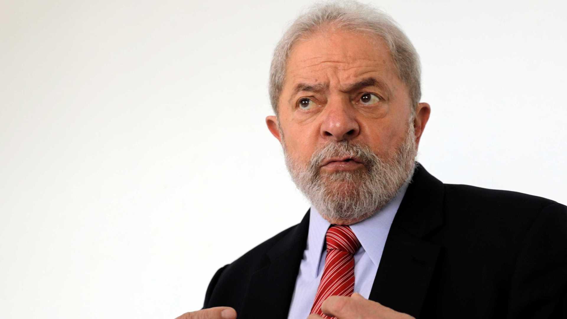 'Quem quiser me derrotar, vai ter que lutar muito', diz Lula