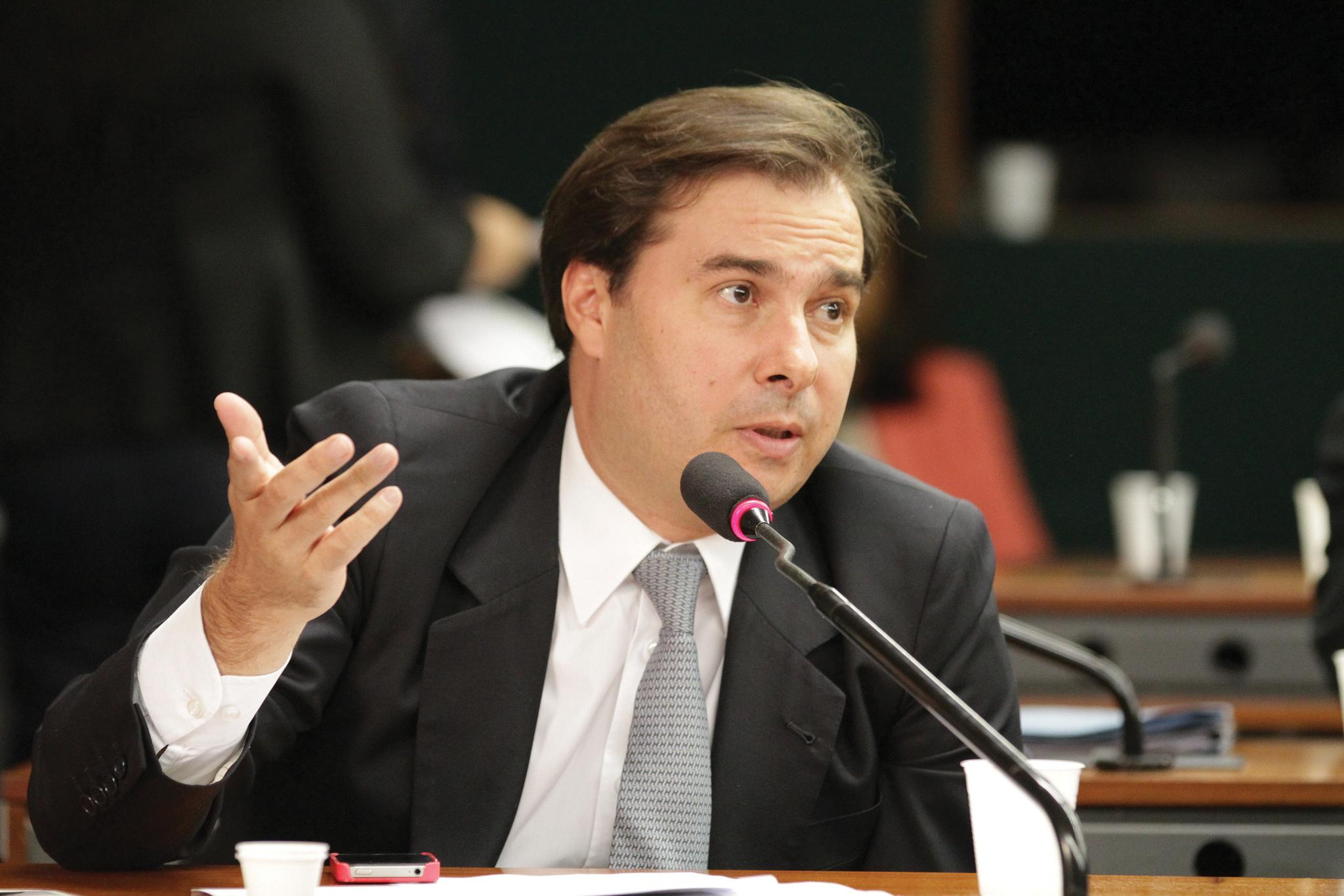 """Sem reforma da Previdência, país terá """"incêndio fiscal"""", diz Maia"""