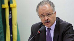Plenário retoma votação da reforma política nesta terça