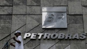 Governo quer privatizar a Petrobras, diz ex-diretor da ANP