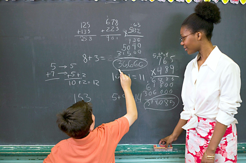 Piso salarial dos professores terá aumento de 6,81% em 2018