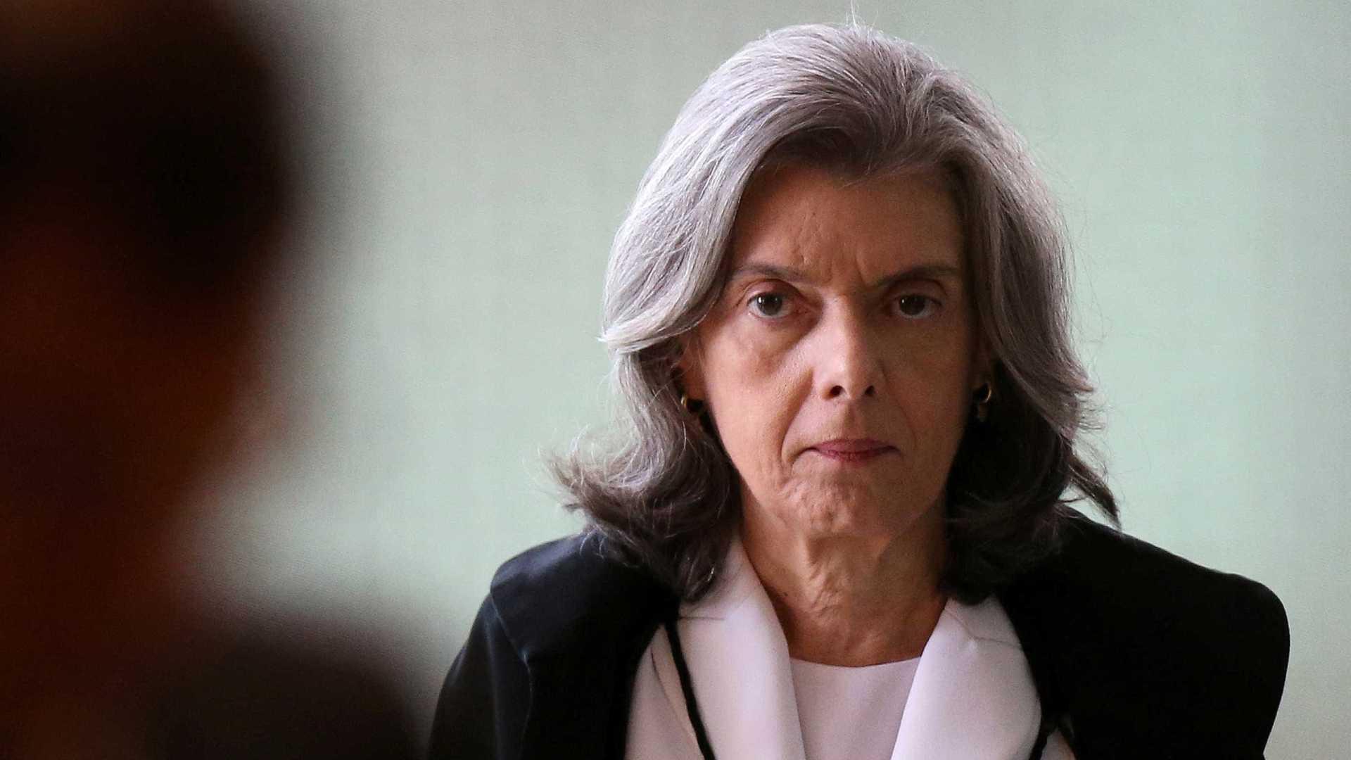 Ministra deve julgar inconstitucional decreto de Temer sobre indulto
