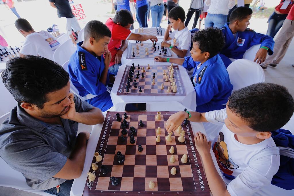 Cultura e esporte nas grotas de Maceió