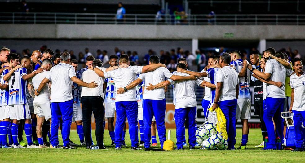 CSA busca vitória para continuar na briga pela permanência na Série A