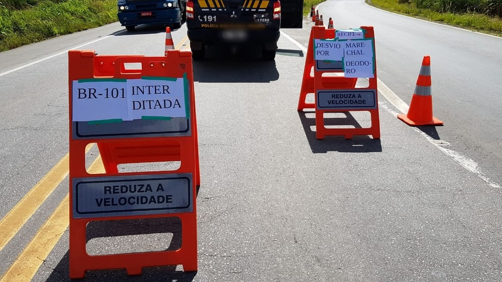 BR 101 segue interditada após vazamento do gás