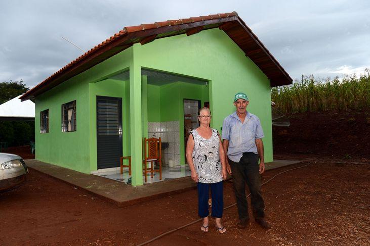 Agricultores do sertão recebem casas do PNHR