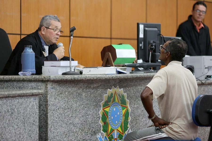 Júri em Arapiraca absolve acusado de esfaquear pretendente da filha