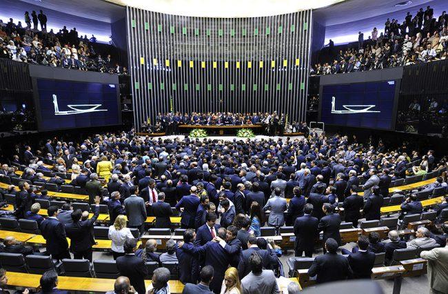 Câmara aprova MP que permite renegociação de dívidas rurais