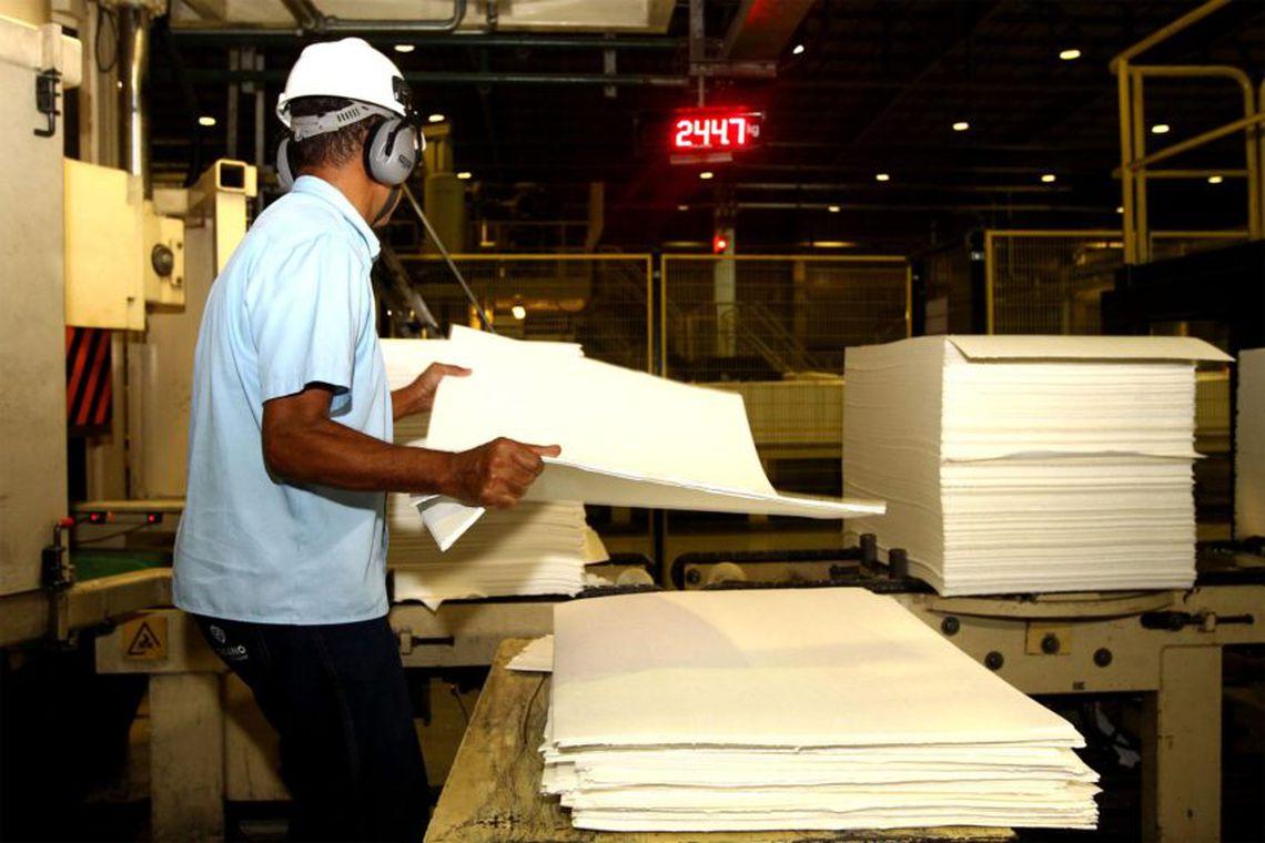 Produção industrial no Nordeste recua 0,9%