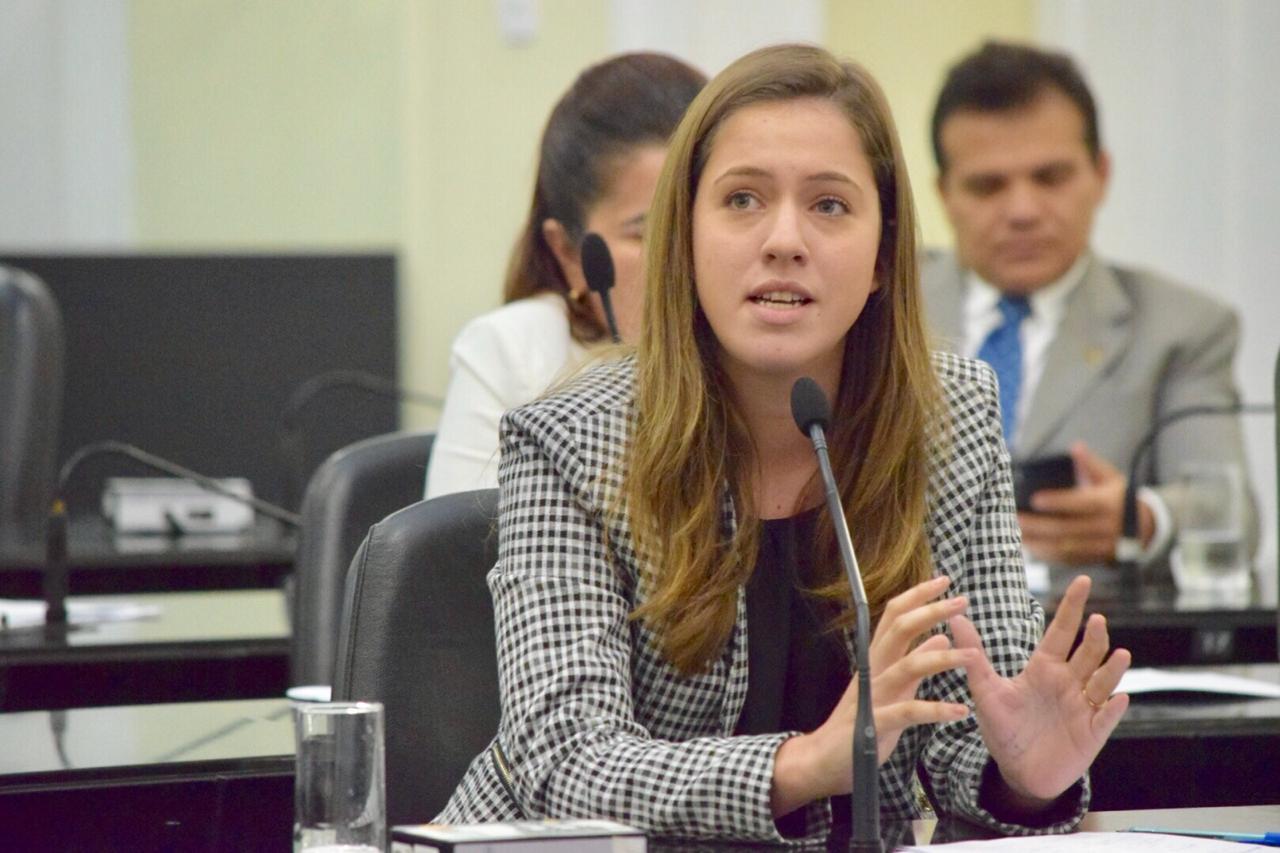 Deputada Cibele Moura é favor do adiamento das provas do Enem 2020