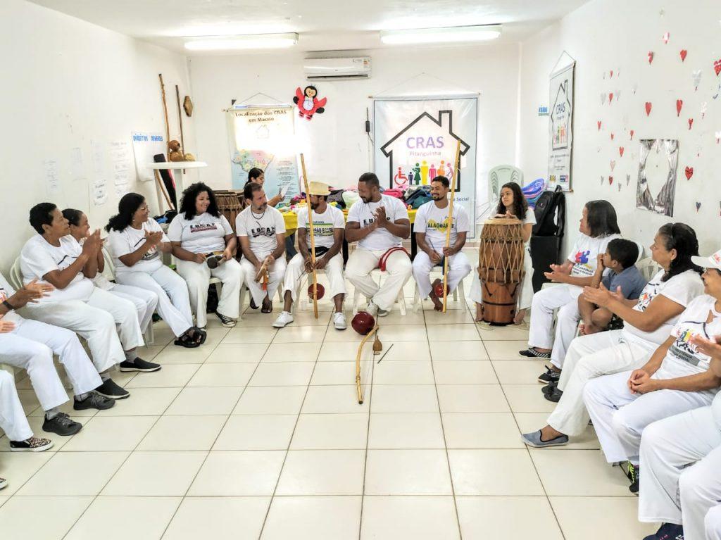 Idosas do Cras Pitanguinha terão batizado de capoeira