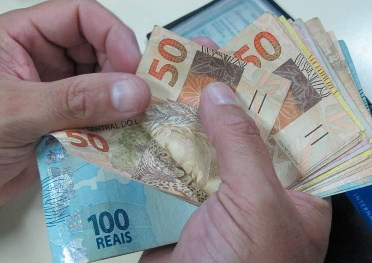 Governo define novo salário mínimo de R$ 1.039 em 2020