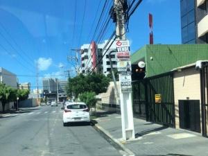 Propaganda irregular para venda de imóveis se espalha pela capital alagoana
