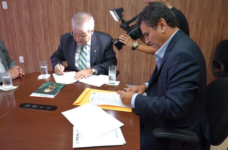 Tribunais de Contas de AL e SE assinam termo de cooperação