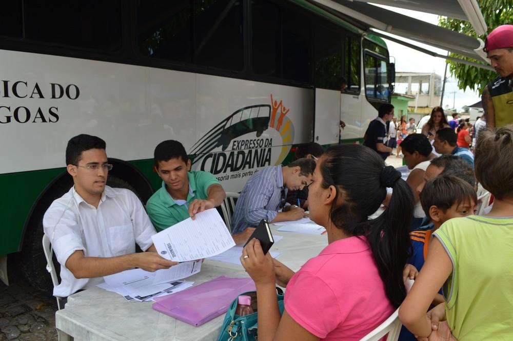 Programa Expresso da Cidadania leva serviços a municípios do Litoral Sul de AL