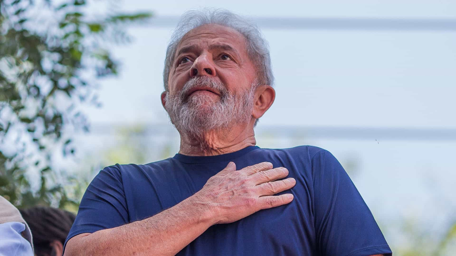 Lula completa 1 ano na cadeia à espera de recurso no STJ