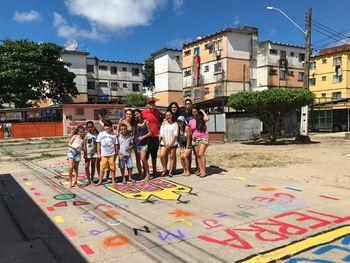 Projeto de extensão traz cor e alegria para calçadas da capital