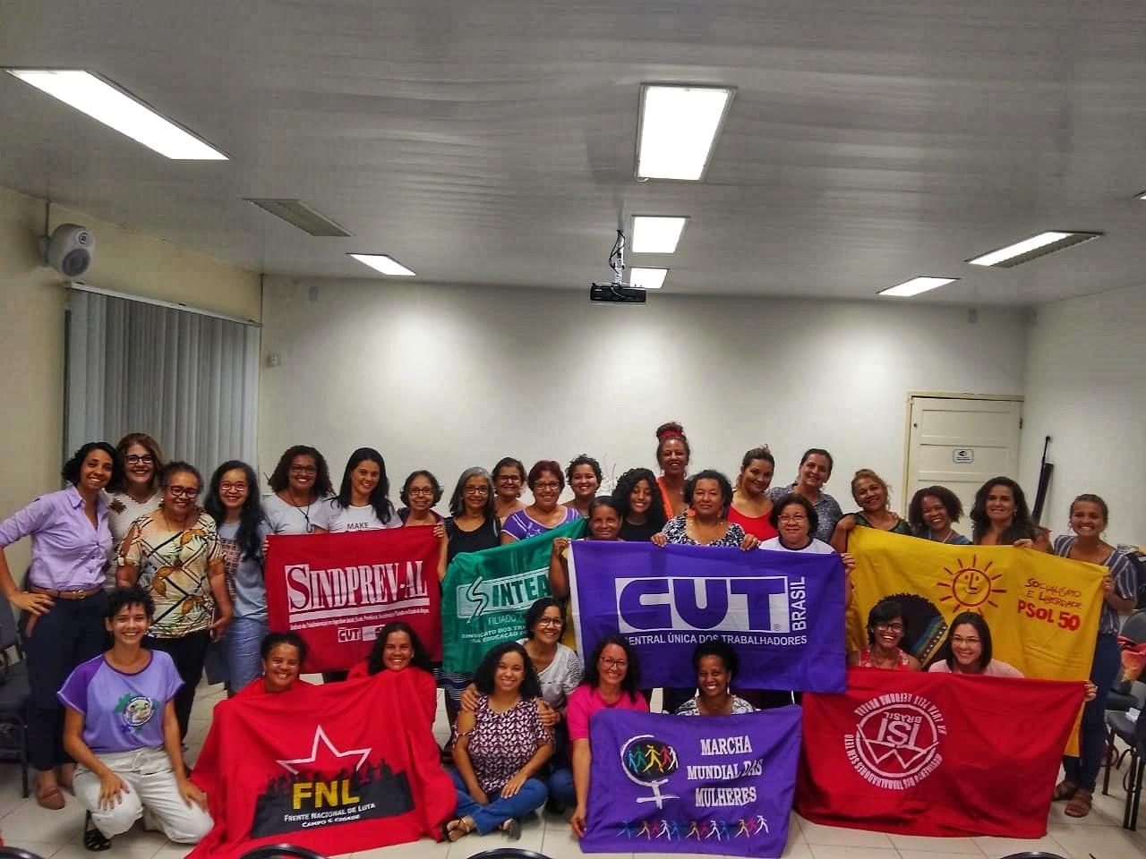 Movimentos de mulheres e sindicatos criam a Frente Feminista de Alagoas