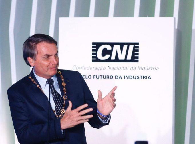 Bolsonaro defende plantação de cana na Amazônia e volta a atacar Greta