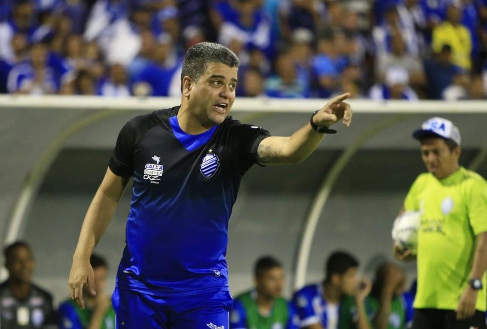 Derrota no Recife pesa, e CSA anuncia a saída do técnico Marcelo Cabo