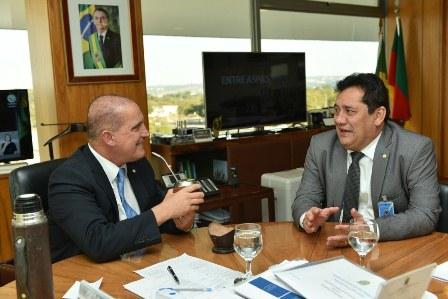 Bolsonaro comprou a ideia de construir um Hospital Universitário em Arapiraca, diz deputado
