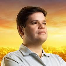 Davi Davino Filho lidera pesquisa para governador