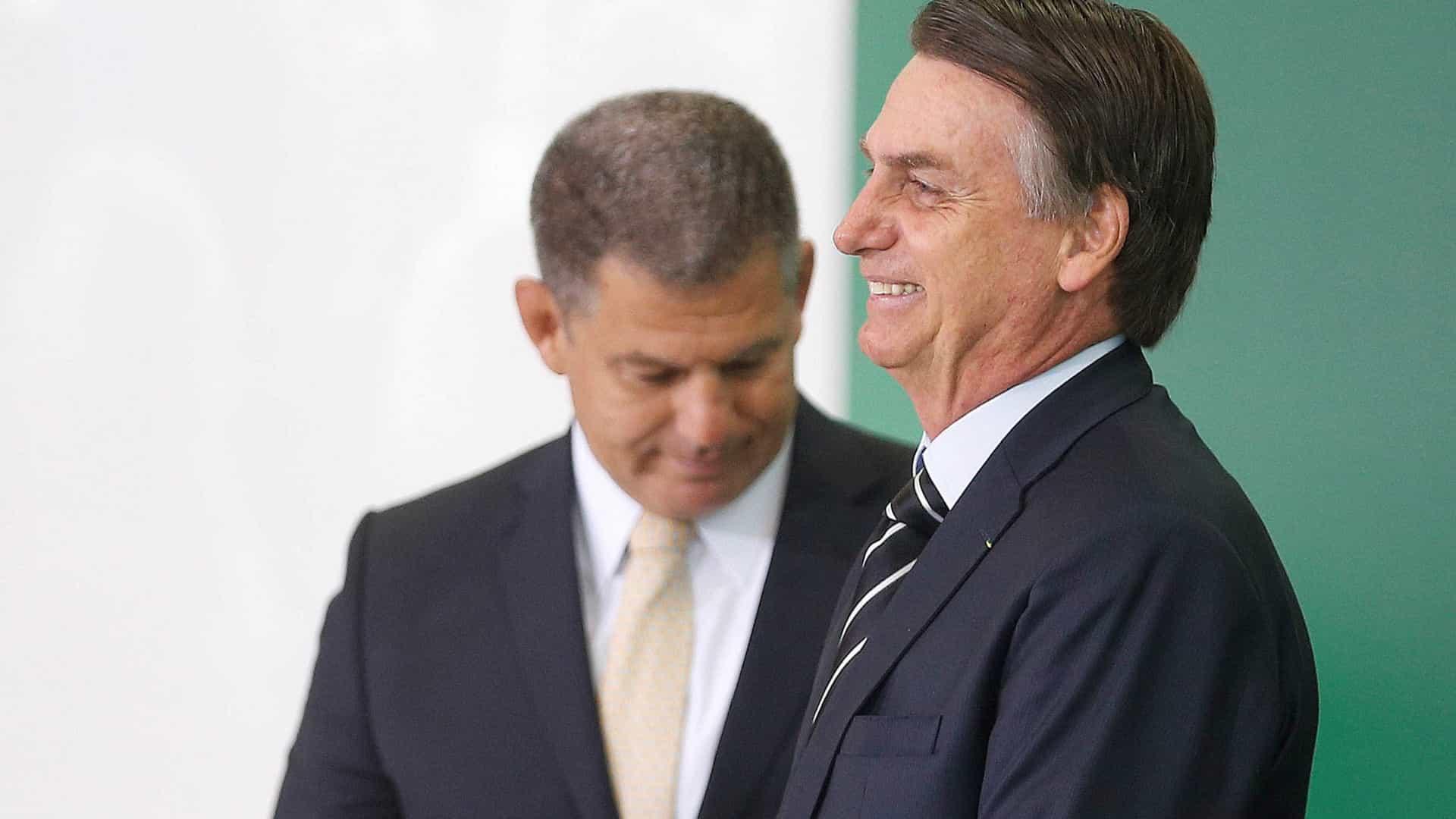Ex-ministro diz que Bolsonaro põe democracia em risco