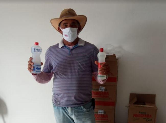 Pindorama doa mais de mil kits a associados