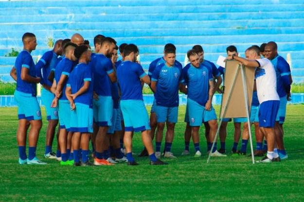 CSA joga hoje em Murici