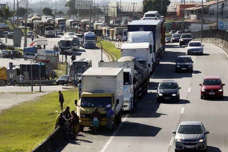 Ministro descarta greve nacional de caminhoneiros