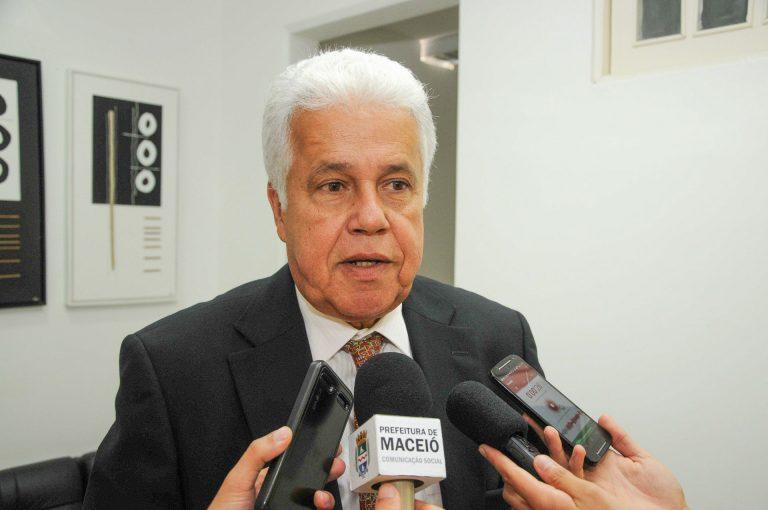 Secretário de Saúde garante recursos para construção de unidades em Maceió