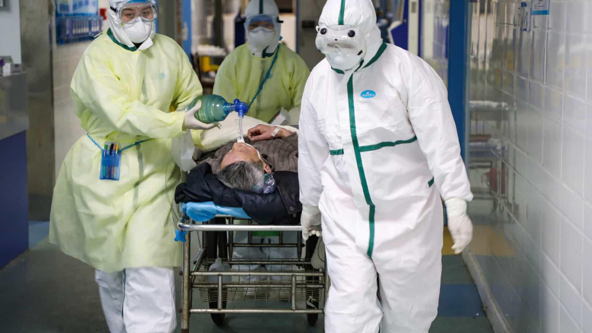 Número de mortos pelo novo coronavírus sobe para 1013