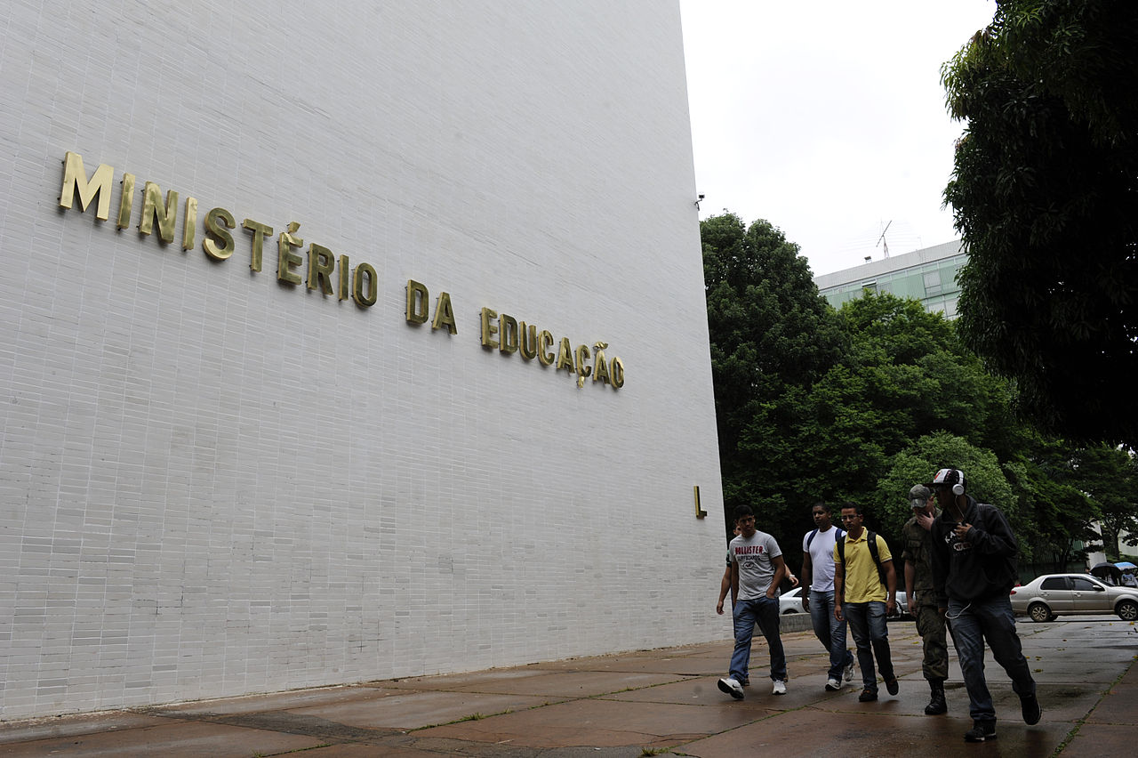MEC anunciou que vai ceder internet a alunos das federais