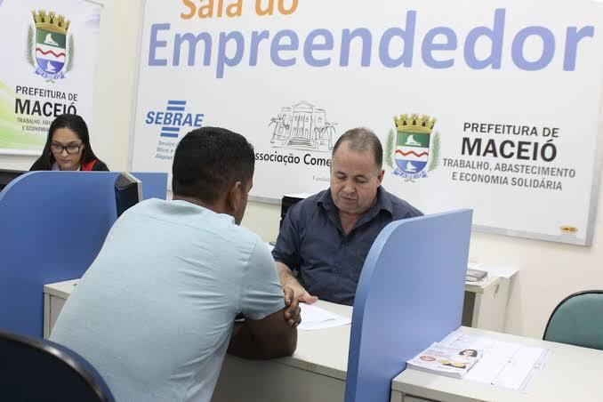 Sala do Empreendedor oferece orientação empresarial gratuita