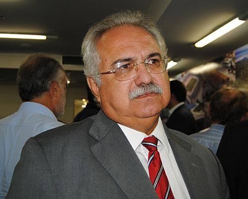 Rogério Teófilo esta internado na UTI do Hospital Arthur Ramos, em Maceió