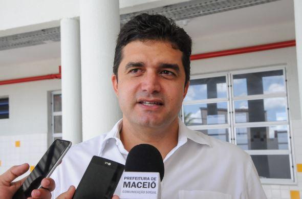 Rui Palmeira só mudará de partido após retorno do PSDB