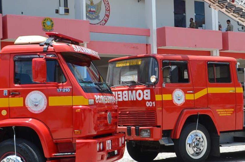 Corpo de Bombeiros tira famílias de situação de risco em Santana do Ipanema