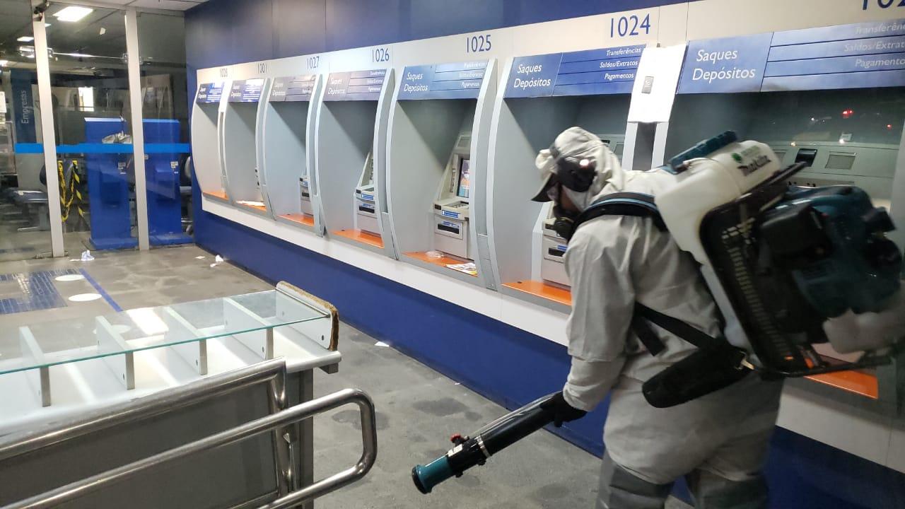 Prefeitura de Delmiro inicia desinfecção sanitária de áreas públicas do município