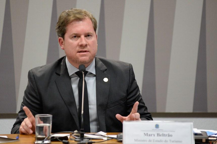 MPF faz oito ações penais contra deputado federal de AL