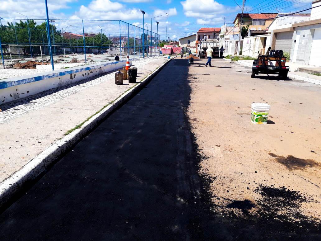 Prefeitura de Delmiro Gouveia recupera ruas e avenidas da cidade